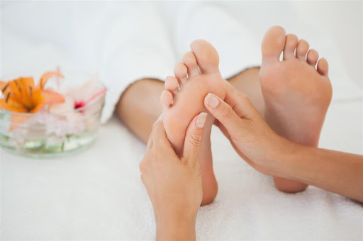 4 Health Benefits of Reflexology You May Not Know